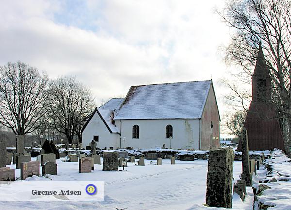 Naverstads kyrka byggdes under 1100-talets senare hälft och ligger vid Södra Bullaresjön. Kyrkan är en av de bäst bevarade medeltidskyrkorna i Bohuslän.